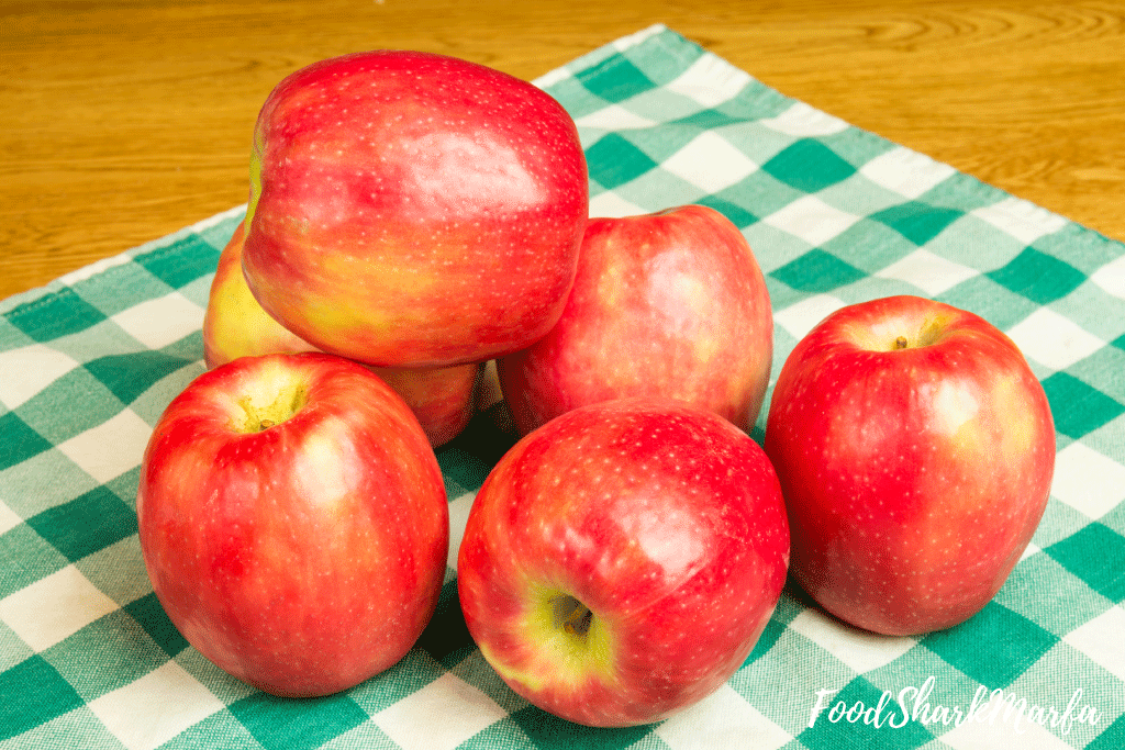 Group-of-Pink-Lady-apples