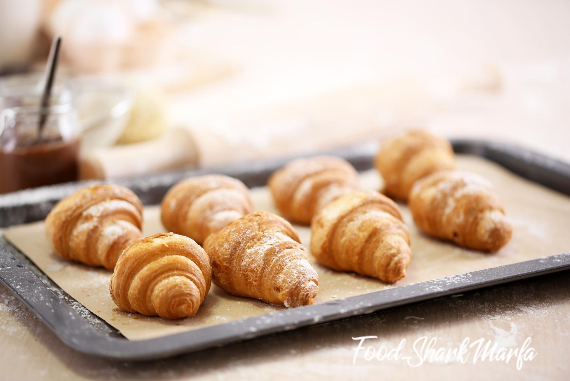 Baking croissant cookies